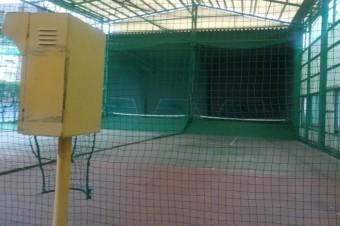 テニス始めました